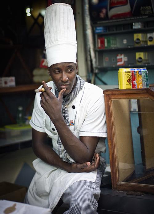 Tankefull kokk i gamle Havanna.