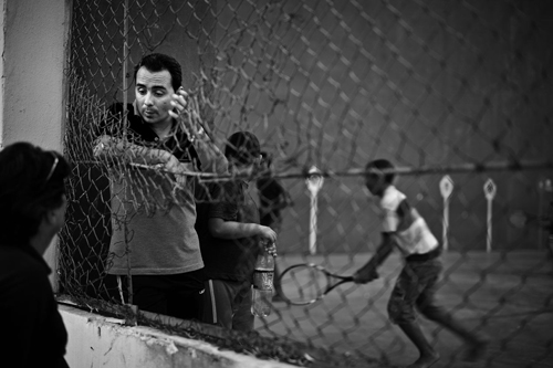 Pause i treningen på en tennisbane i Cienfuegos.