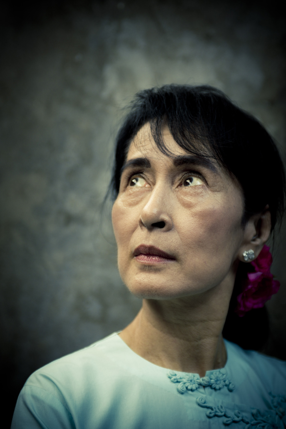 aung san suu kyi and sadat Education activist malala yousafzai criticized myanmar's de facto leader aung san suu kyi for her ongoing silence over the violence that has led to tens of.