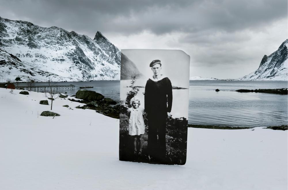 Vinstad. Søskenparet Klara og Almar Jakobsen. Almar er hjemme på permisjon.