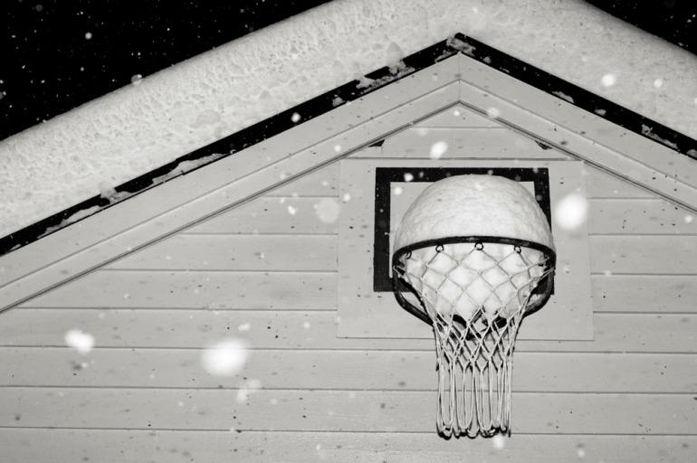 snow(basket)ball